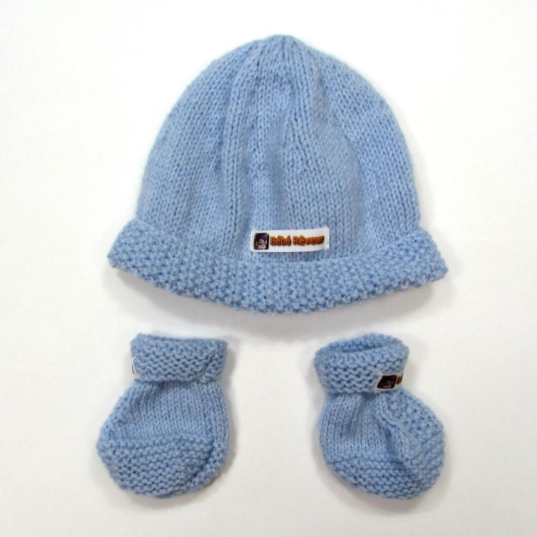 Trousseau de naissance bleu bonnet et chaussons tricot pour garçon d4245e0dabc