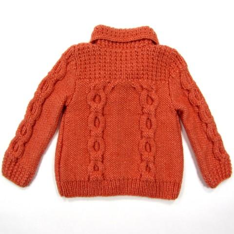 vue du dos de la veste bébé fille en jersey envers et torsades maillons col et épaules point fantaisie