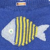 Détail du poisson au dos du pantalon bébé