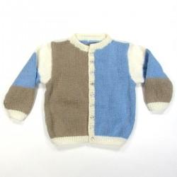 Cardigan en laine colorblock bleu ciel, blanc et beige pour bébé garçon fermé par boutons oursons brun nacré