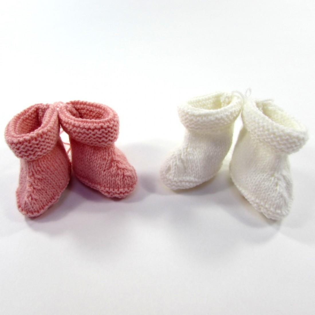 Chaussons pour la naissance de bébé fille en laine tricoté main