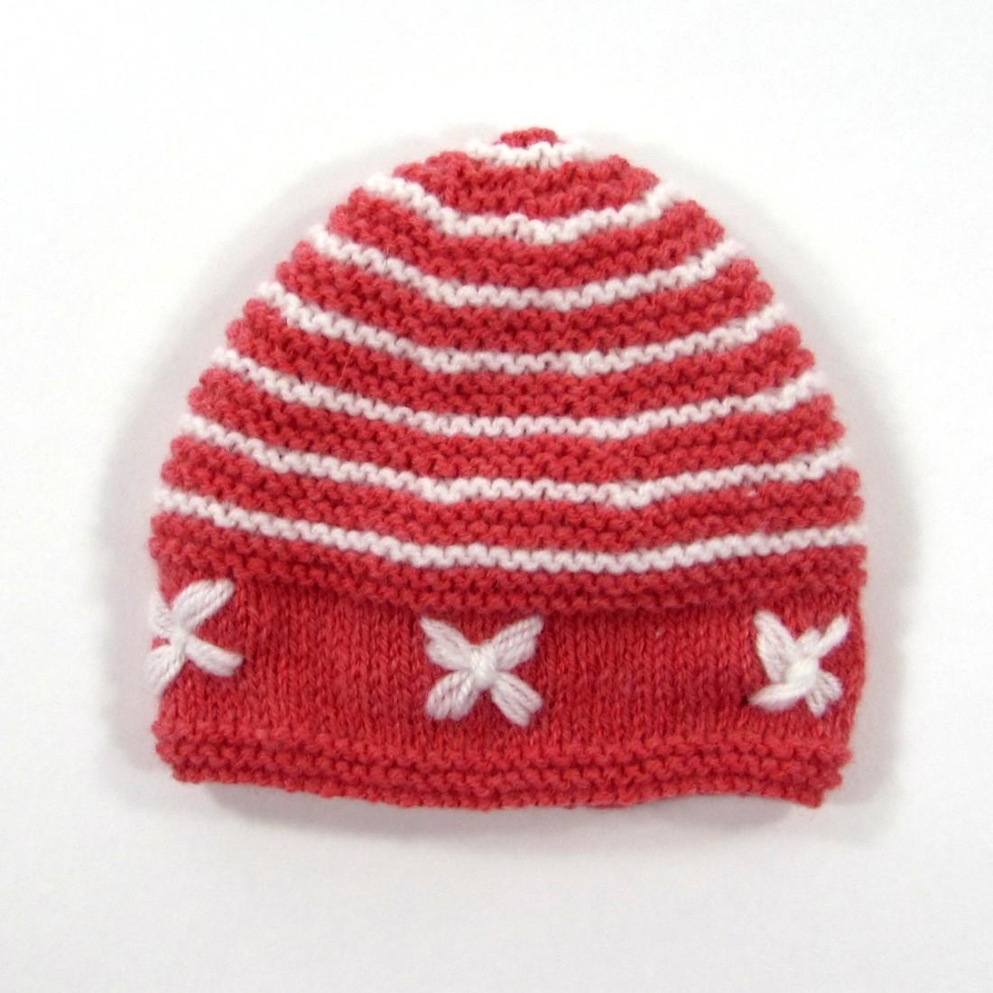 Bonnet bébé tricot rayé point mousse fleurs rose corail et blanc f5a73424337